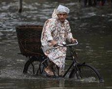 El monsó deixa almenys 180 morts a l'Índia, el Nepal i Bangladesh (REUTERS / FRANCIS MASCARENHAS)