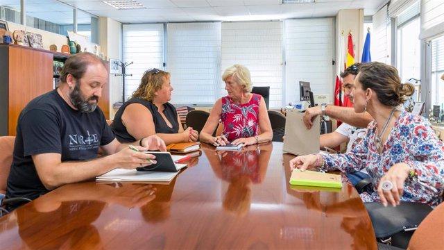 Reunión de la nueva consejera de Educación, Marina Lombó, con representantes de la FAPA