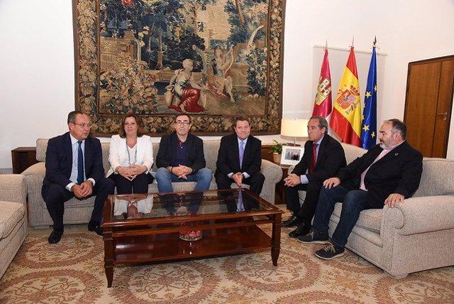 Reunión de Page con los líderes de los agentes sociales, Paco de la Rosa, Ángel Nicolás y Carlos Pedrosa