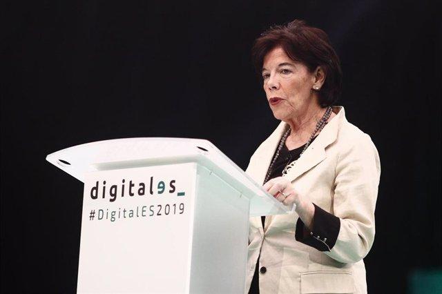 La ministra de Educación en funciones y portavoz del Gobierno, Isabel Celaá durante la segunda jornada del  'DigitalES Summit 2019' en Madrid.