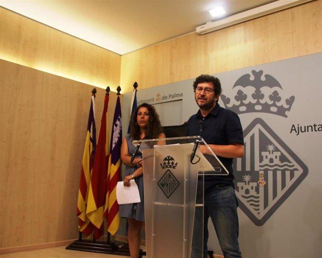 Alberto Jarabo y Angélica Pastor en una rueda de Prensa tras la Junta de Gobierno del Ayuntamiento de Palma