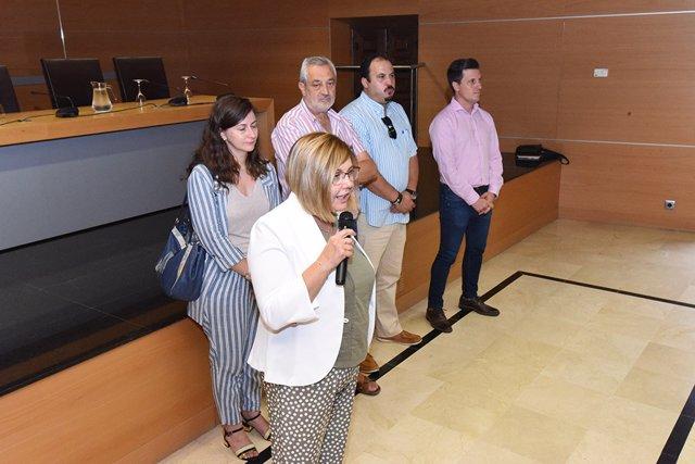 La presidenta de la Diputación de Cáceres, Rosario Cordero, se reúne con empresarios de la construcción