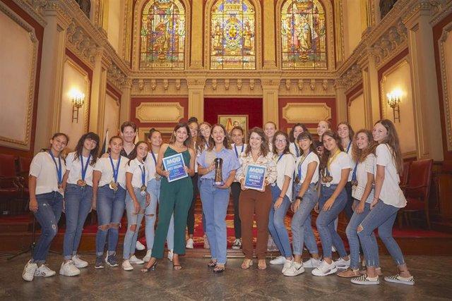 Recepción del Ayuntamiento al grupo de baile 'Cherries', ganador de un torneo internacional de 'Hip Hop'