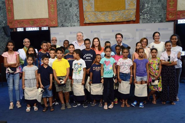 El Cabildo de Tenerife recibe a los niños saharauis que pasan sus vacaciones en la isla