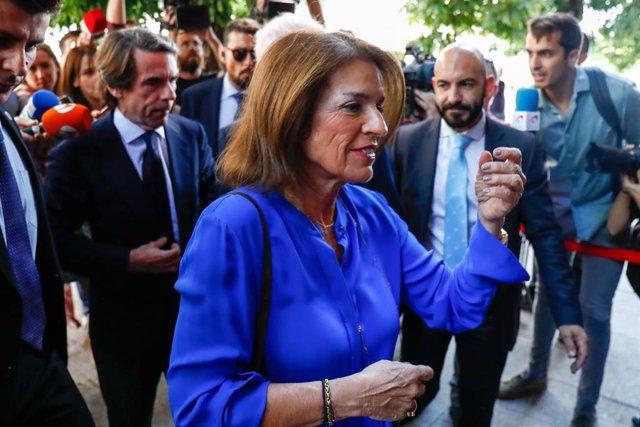 Imange de archivo de la exalcaldesa de Madrid, Ana Botella, junto al expresidente del Gobierno José María Aznar.