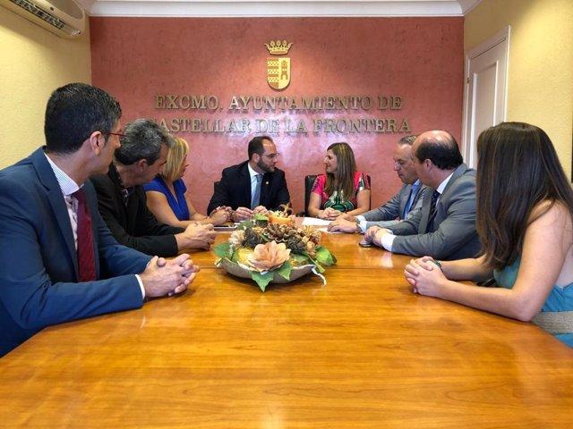 Irene García en la reunión con el equipo de gobierno del ayuntamiento de Castellar
