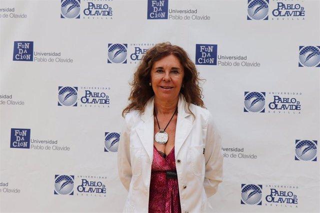 La catedrática Mª José Fariñas en los cursos de verano de la UPO en Carmona