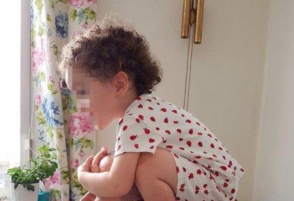 El día a día de Olivia, una niña de tres años con autismo