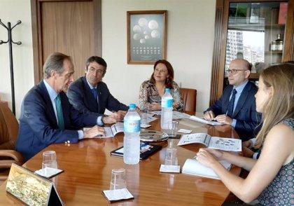 """Agricultura.- La Junta traslada a la dirección de Ence su """"impulso"""" a la economía circular y la gestión de subproductos agrarios"""