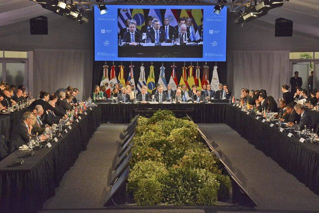 Líderes de MERCOSUR durante una cumbre.