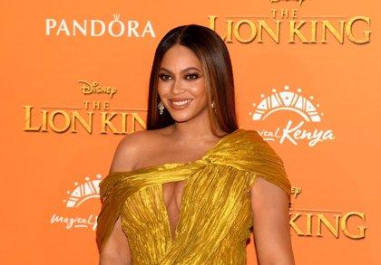 Beyoncé arrasa con diez impresionantes vestidos en el videclip de 'Spirit'