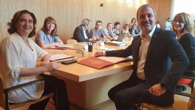 Ada Colau i Jaume Collboni en la seva primera Comissió de Govern