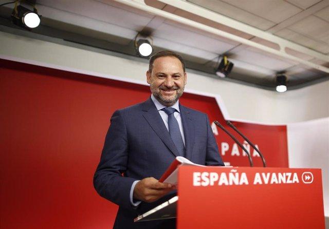 El Secretario de Organización del PSOE, José Luis Ábalos, ofrece una rueda de prensa tras la reunión de la Comisión de la Ejecutiva Federal del PSOE en su sede en Ferraz