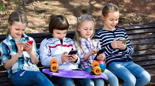 Lo que hacen con el móvil los niños por edades