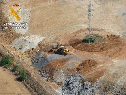Investigan a una empresa por el enterramiento irregular de residuos en Rueda (Valladolid)