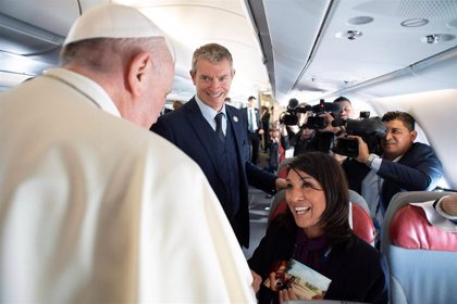 El Papa nombra portavoz vaticano al británico Matteo Bruni, en sustitución de Greg Burke y la española García Ovejero