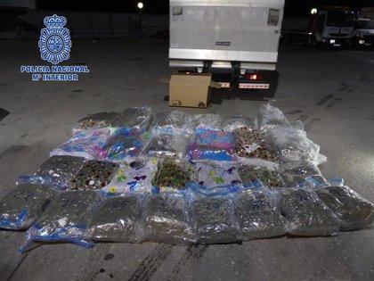 Detenido un camionero que transportaba 119 kilos de marihuana por la Región