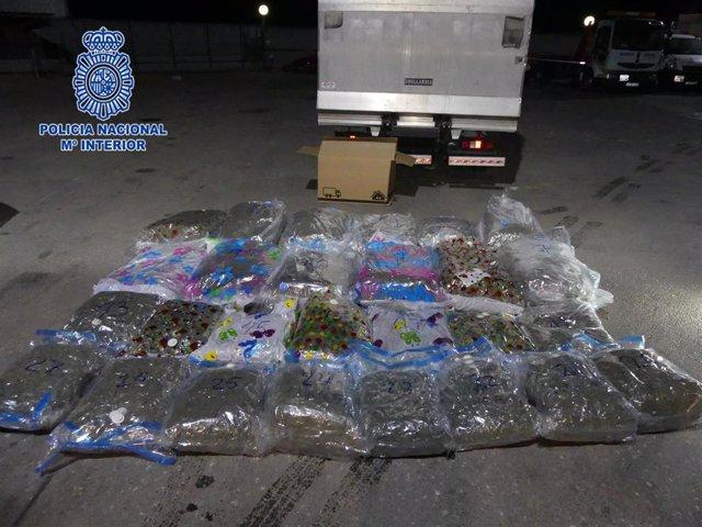 """Nota De Presan: Un Camionero Detenido Con 119 Kilogramos De Marihuana"""""""