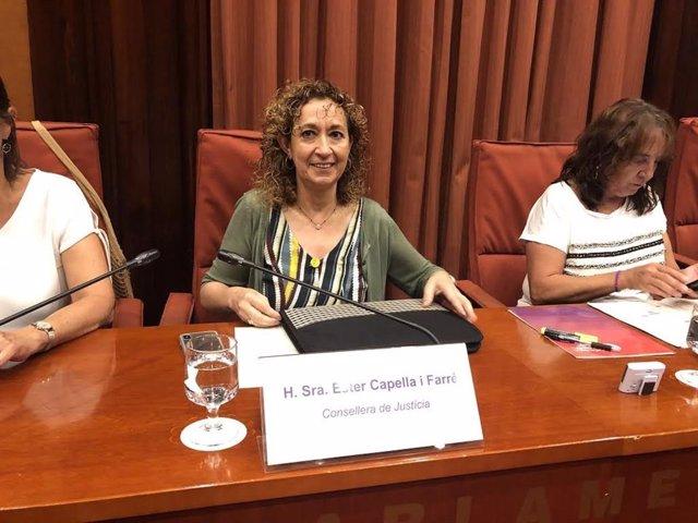 La consellera Ester Capella en la Comisión de Justicia