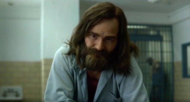 Charles Manson en la serie de Netflix Mindhunter