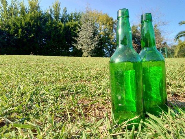 Botellas de sidra asturiana.