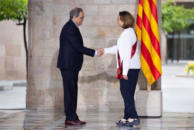 Ada Colau en la rebuda del president de la Generalitat de Catalunya, Quim Torra, als nous regidors de l'Ajuntament de Barcelona