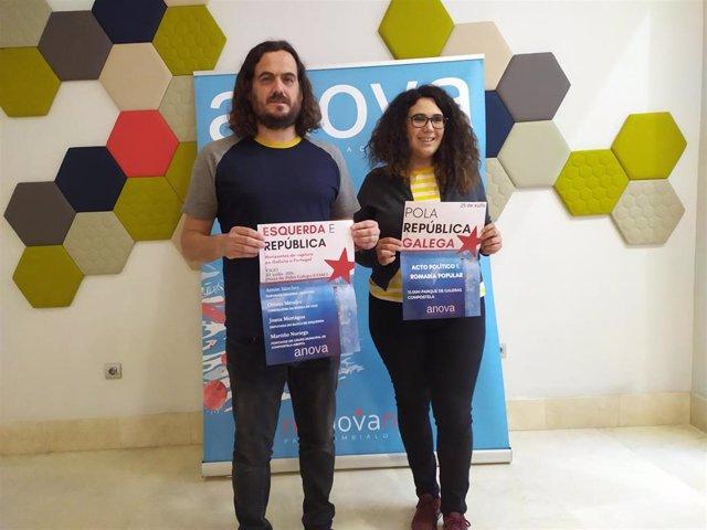 El portavoz nacional de Anova, Antón Sánchez, y la concejala de Marea de Vigo, Oriana Méndez, presentan los actos del 25 de julio de la formación nacionalista
