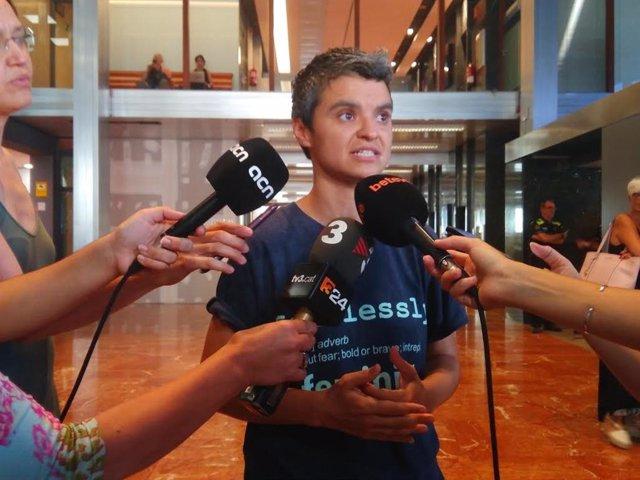 La regidor Lucía Martín en declaracions als mitjans