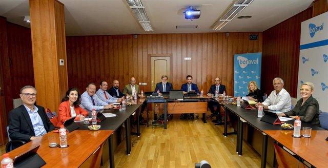 Imagen del renovado Consejo de Administración de Iberaval con César Pontvianne como presidente