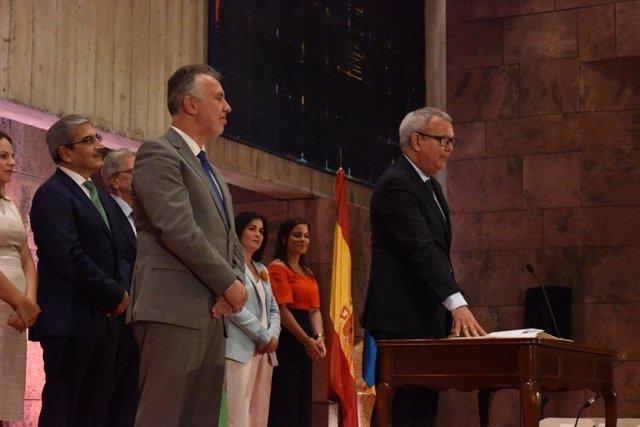 Sebastián Franquis Vera toma posesión como consejero de Obras Públicas, Transportes y Vivienda del Gobierno de Canarias
