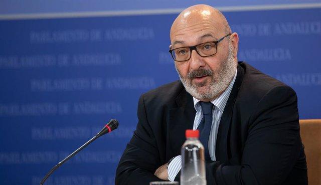 Rueda de prensa del portavoz parlamentario de Vox, Alejandro Hernández (Foto de archivo).