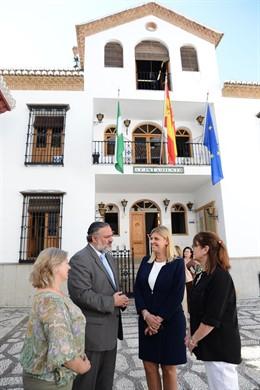 El delegado del Gobierno andaluz en Granada visita La Zubia