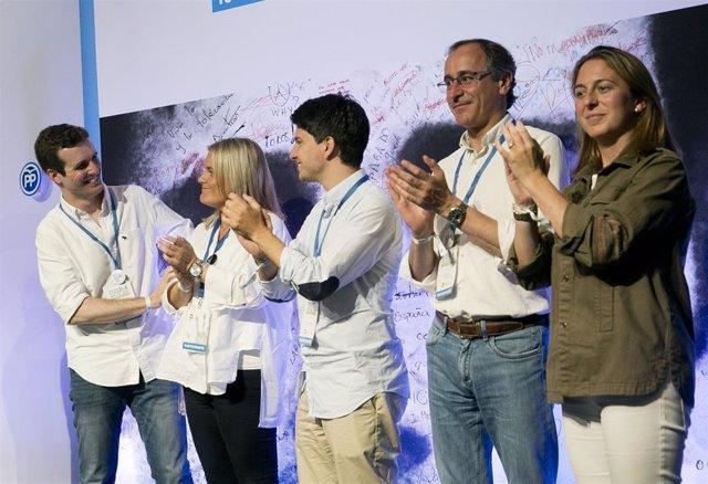 Pablo Casado, Mari Mar Blanco, Diego Gago y Alfonso Alonso en la 'Escuela Miguel Ángel Blanco' celebrada en 2017 en Bilbao.