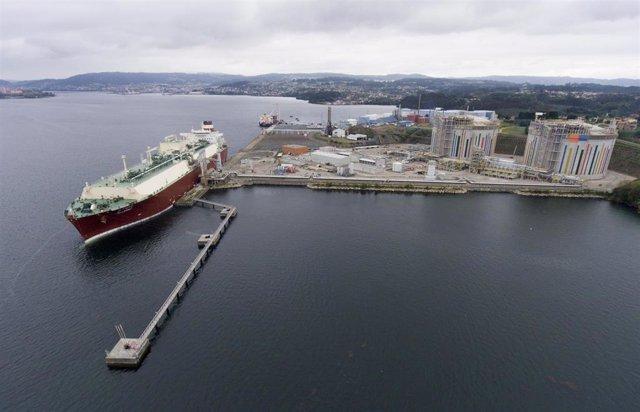 : La Terminal De GNL De Mugardos Podrá Recibir A Partir De 2020 Tanto Buques De Gran Tamaño Como Gabarras De Suministro A Pequeña Escala.