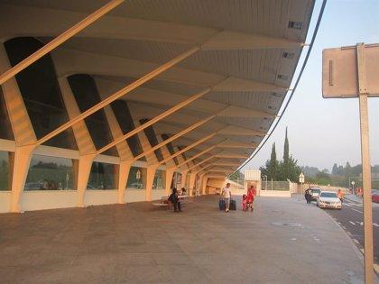 Aena reorganiza con las compañías aéreas la operativa del domingo en el Aeropuerto de Bilbao por la huelga convocada