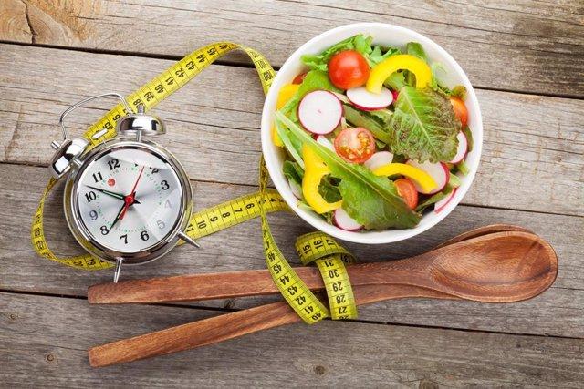 Crononutrición: la hora a la que comes también influye en la salud y el peso.
