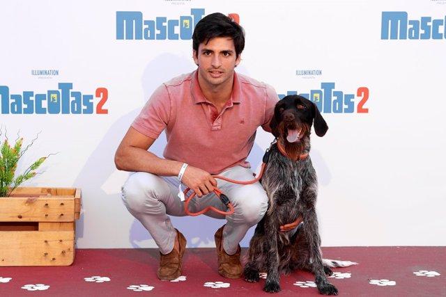 Carlos Sainz en la premiere de 'Mascotas 2'