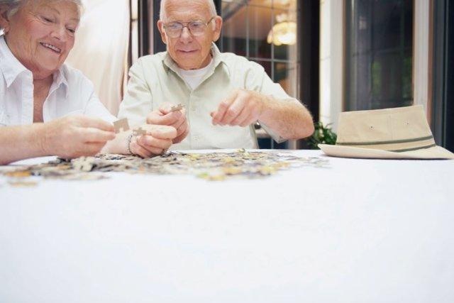 Las actividades colectivas y al aire libre son clave para fomentar la autoestima entre los mayores y generar interés en su entorno