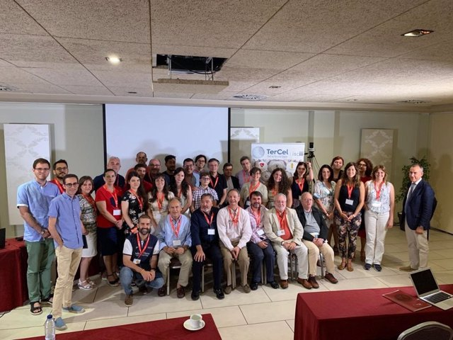 Foto de familia del curso 'Cell therapy from the bench to the bedside and return'