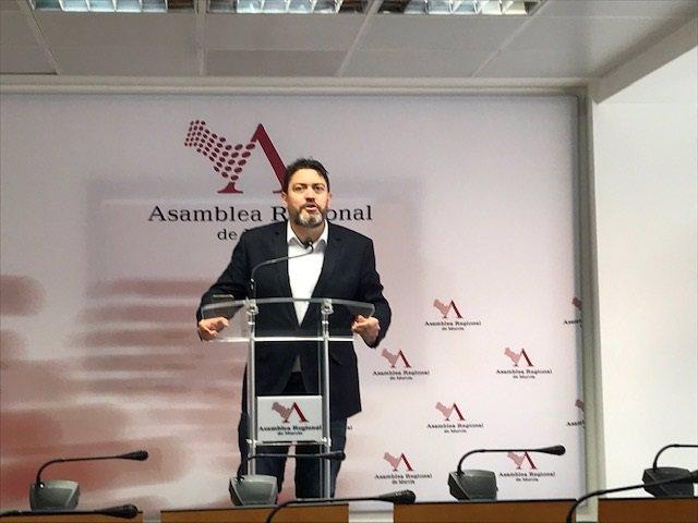 Imagen de Miguel Sánchez, senador autonómico