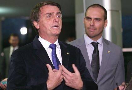 Bolsonaro vuelve a apoyar a su hijo como embajador de Brasil en EEUU y asegura que incluso podría nombrarle canciller
