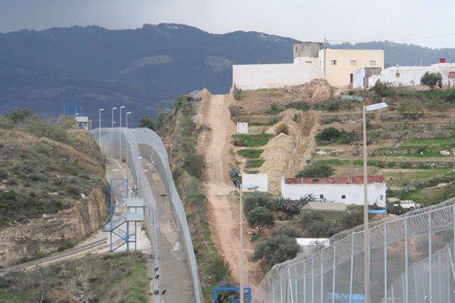 Tanca fronterera entre Melilla i el Marroc