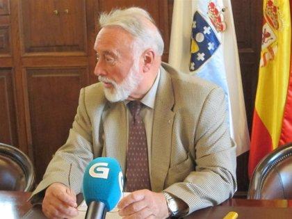 """Greenpeace cancela el atraque de su buque en Vigo y López Veiga la acusa de """"desprestigiar"""" al sector pesquero gallego"""