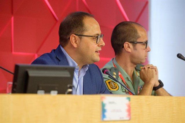 El eurodiputado socialista por La Rioja César Luena, en su intervención en el curso de verano sobre seguridad de la UR.