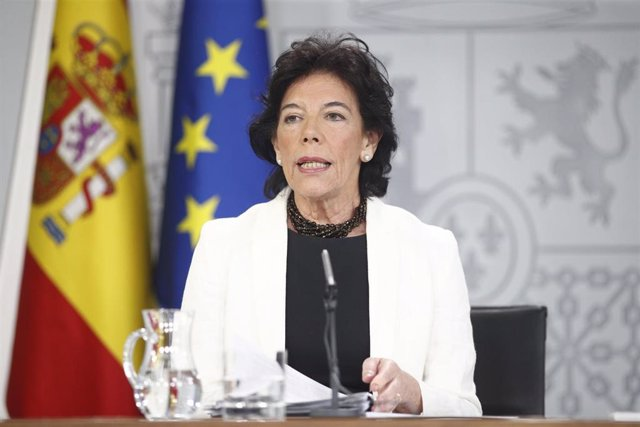 La ministra Portavoz, y de Educación y Formación Profesional en funciones, Isabel Celaá, comparece ante los medios de comunicación tras la reunión del Consejo de Ministros en Moncloa.