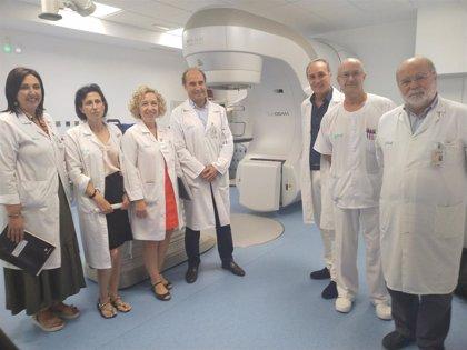 El Hospital Clínico atiende a 120 pacientes oncológicos al día gracias a sus tres aceleradores lineales