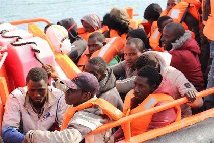 El Gobierno asistirá a refugiados con recursos de atención a pie de costa destinados a migrantes por la caída de pateras