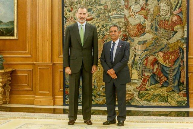 El Rey Felipe VI recibe en el Palacio de la Zarzuela al presidente de Cantabria, Miguel Ángel Revilla.