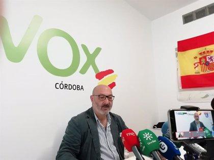 Alejandro Hernández (Vox) equipara la muerte de una mujer víctima de violencia machista con el suicidio de su asesino