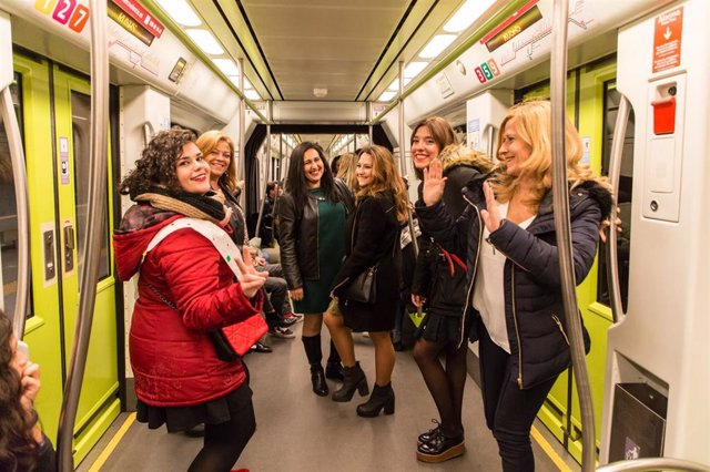 Viajeros en Metrovalencia